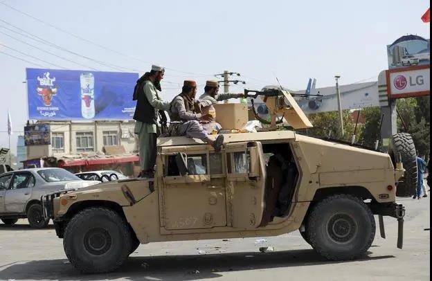 """美军成了塔利班的""""运输大队长""""?"""