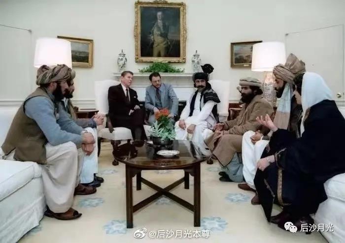 美国网友为美国曾支持塔利班而震惊,那红色高棉呢?