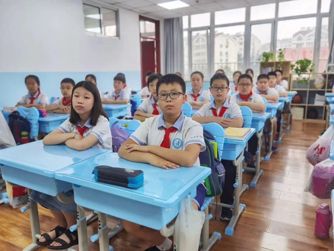 教育部:小学一二年级不进行纸笔考试