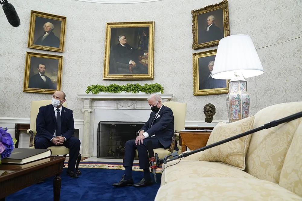 拜登见以色列总理时真睡着了?