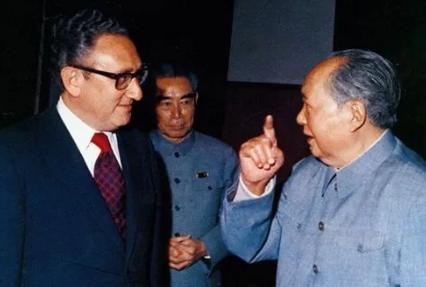 """毛主席与基辛格鲜为人知的""""隔空交火"""""""