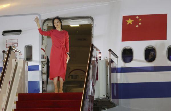 """那一抹绚丽""""中国红""""是我们最坚定的信念底色"""