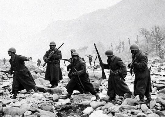 在瓜岛打败日军的美军 为何在长津湖败给志愿军